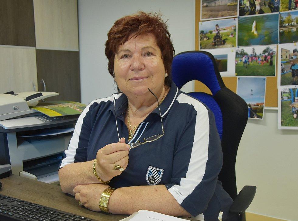 Starostka Pesvic Marie Žovínová.