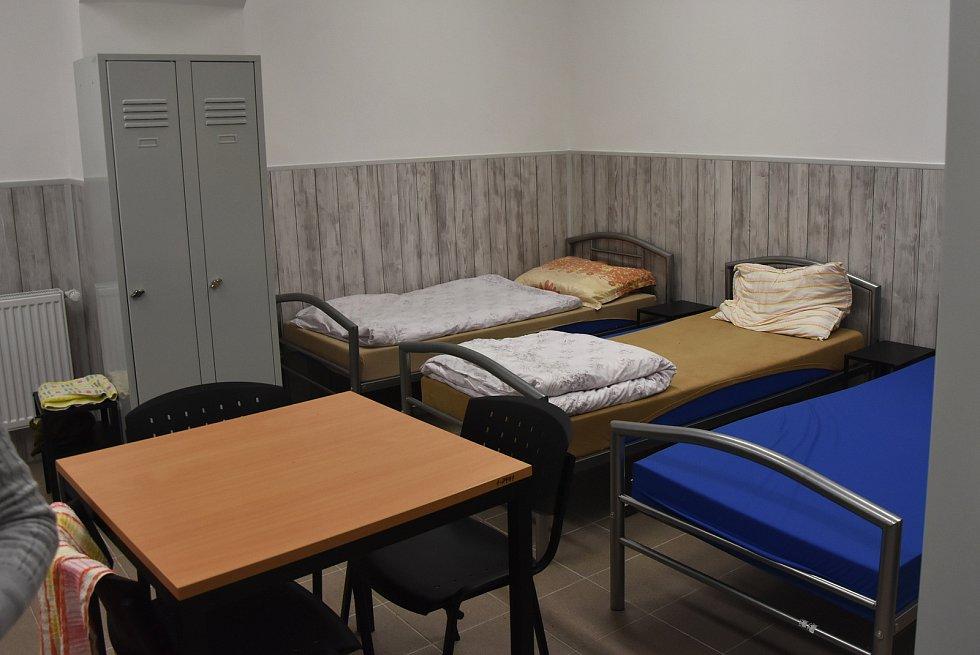 Mužská ložnice nabízí šest míst.