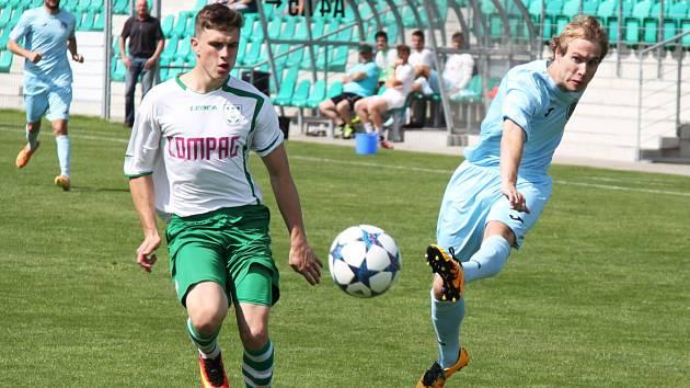 Devatenáctiletý Lukáš Svoboda (vpravo) podává sympatické výkony.