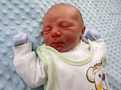 Milan Marián Chocholáček se narodil 18. dubna 2017 v 6.17 hodin rodičům Jitce a Milanu Chocholáčkovým z Kovářské. Vážil 3,28 kg a měřil 52 cm.