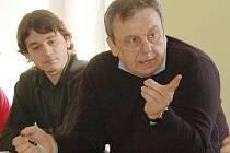 Výstavbu plamenně hájil zástupce investora Jaroslav Bořík, jednatel společnosti Area Group s.r.o., Plzeň (na snímku vpravo).