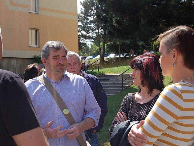 Vedení města v diskuzi s obyvateli sídliště Zahradní.