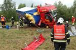 Při srážce kamionu s malou dodávkou u Prunéřova zemřeli tři lidé.