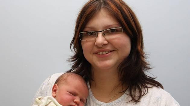 Jiří Kordanič z Chomutova, narozen 5.1. 2008 ve 3.05 hodin v Chomutově, 52 cm, 4,050 kg  s maminkou Pavlou  Kordaničovou.