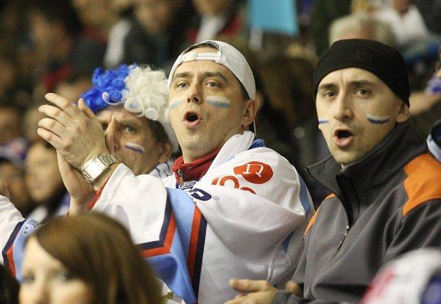 Hokejoví fanoušci Chomutova.