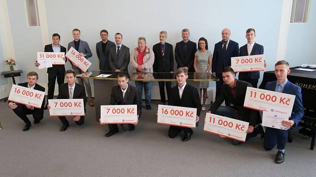 ČEZ Distribuce rozdala studentům přes milion korun.