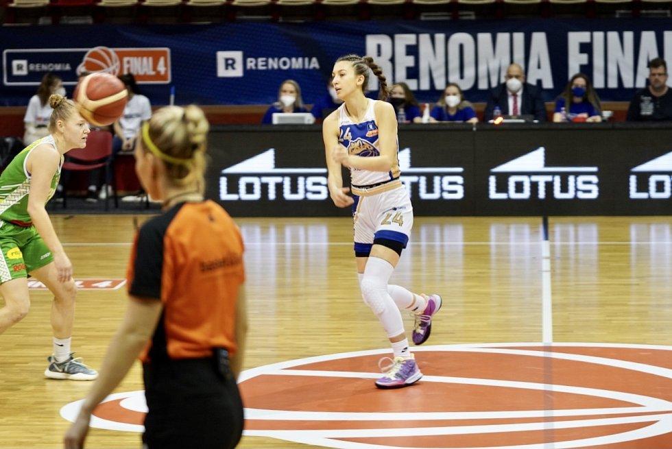 Levhartice (v bílém) v zápase s Brnem.