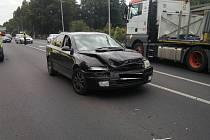 U Klášterce nad Ohří havarovala dvě auta. Jeden člověk se při nehodě zranil
