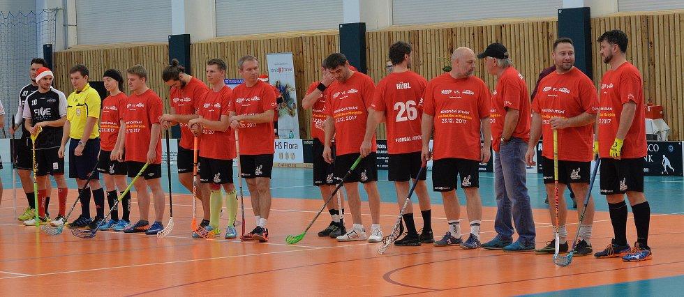 Síly poměřily týmy jirkovských florbalistů a mužstvo složené z místních sportovců a známých osobností.