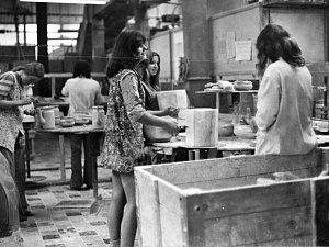 Pohled časem do klášterecké porcelánky Thun a roku 1981