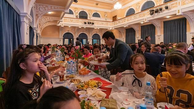 Vietnamci oslavili v Chomutově příchod nového roku myši.