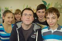BÁRA, Daniela, Martin a Vojta pojedou v únoru svého učitele Františka Kovalčíka obhajovat do Prahy.
