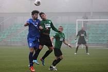 V posledním domácím utkání zvítězil Chomutov (v zeleném) nad týmem Štěchovic 2 : 0.