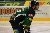 Bývalý Pirát Martin Rýgl vstřelil Chomutovu branku v úterním utkání.