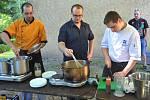 Mistrovství ve vaření svíčkové a soutěž jedlíků.