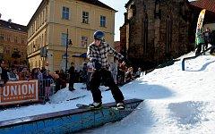 Na náměstí 1.Máje v Chomutově se uskutečnil pohár Lyží a snowboardů soutěže moda atd.