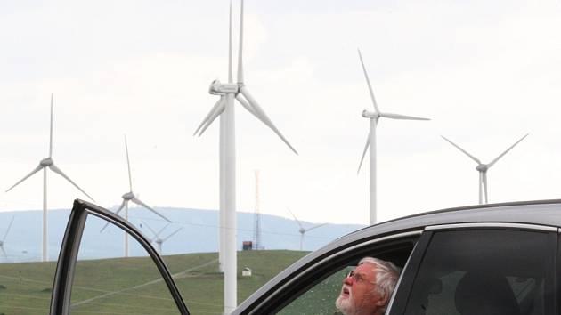 VĚTRNÝ PARK RUSOVÁ společně se soudními Kryštofovými Hamry již nyní čítá třiadvacet větrníků.