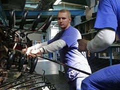 V Nexenu by mohli najít práci i lidé z Chomutovska. Ilustrační foto.