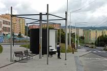 Torzo atypické zastávky, kterou navrhl architekt.