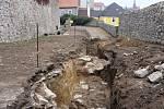 Nově objevená bašta mezi Špitálskou baštou a barbakánem.