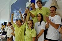 Pro-Am štafeta, která proběhla v rámci Velké ceny plavání v Chomutově.