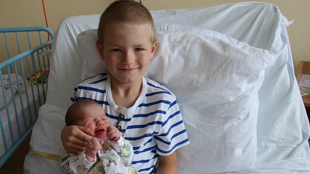 Klára Kučerová se narodila mamince Kláře Rulfové a tatínkovi Jakubovi Kučerovi z Chomutova 15.7.2019 ve 22:18 hodin. Měřila 50 cm a vážila 3,2 kg.