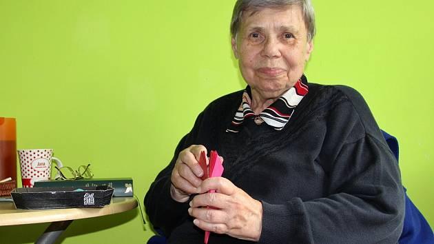 Pětasedmdesátileté Janě Novákové lékaři předpovídali, že už nikdy nebude chodit. Teď závodí jako o život.