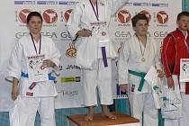 Petr Červenka vybojoval v Nymburce zlatou medaili v kategorii kumite starších žáků.