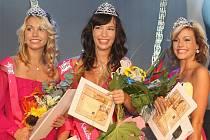 Druhou nejkrásnější dívkou večera byla  Nikola Hovorkové, titul Miss Kadaně získala patnáctiletá Andrea Dundrová a třetí kráskou byla Marcela Gunázerová.