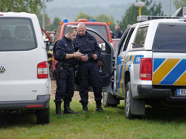 Policisté v Klášterci nad Ohří.
