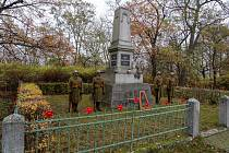 V Chomutově se poklonili památce válečných veteránů.