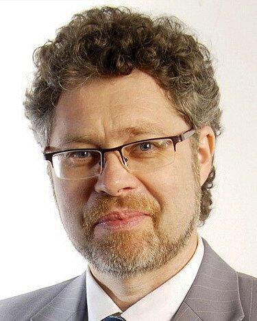 Václav Homolka - KSČM, 59 let, učitel, senátor.