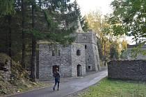 Vápenka u Kovářské je chráněnou památkou.