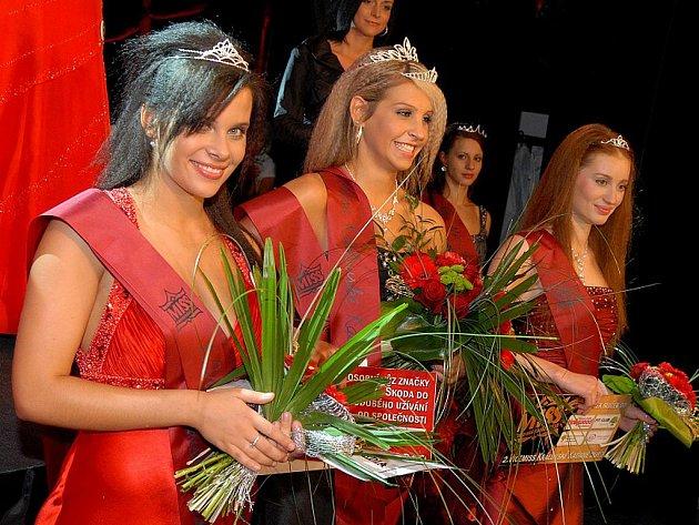 První vicemiss Denisa Davidová, Miss Kadaně Tereza Kuncová a druhá vicemiss Galina Abrahámová.