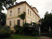 Vesnické zastupitelstvo na zámku? Údlice chtějí koupit barokní památku a přestěhovat tam úřad