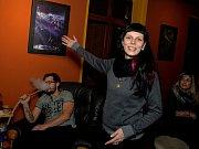 Alena Pellichová vystavuje své fotografie v jirkovské čajovně Zen