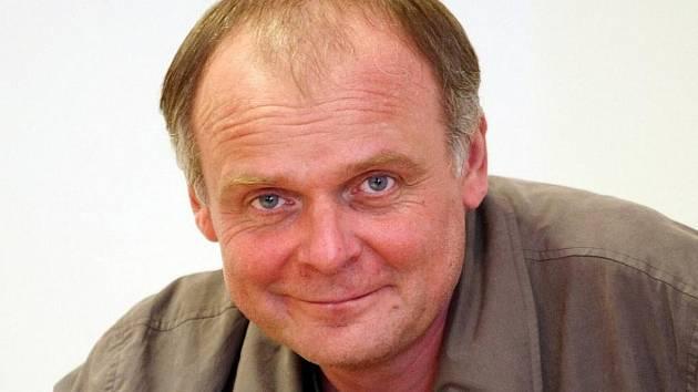 V jirkovské knihovně bude ve středu v rámci Noci literatury číst herec Igor Bareš.