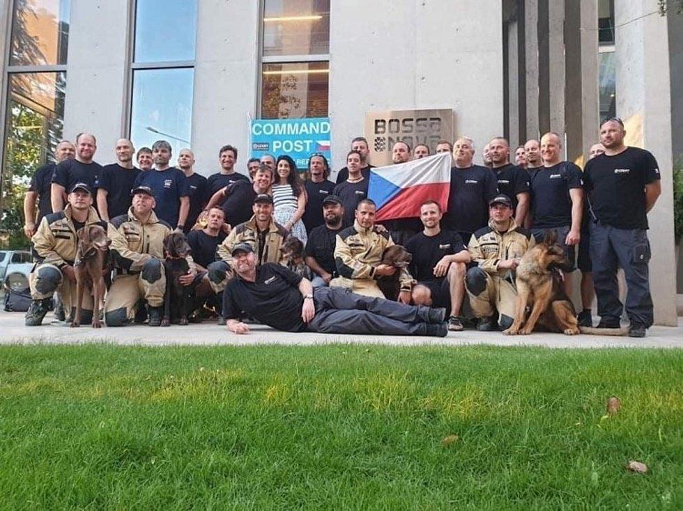 Psovod z Chomutovska Karel Šplíchal byl společně se svým parťákem Jerrym součástí českého USAR týmu v libanonském Bejrútu.