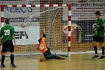 GÓL: Hráči Baníku Chomutov U-17 právě vstřelili týmu Svarog Teplice osmý gól. Zápas vyhráli 15:1.