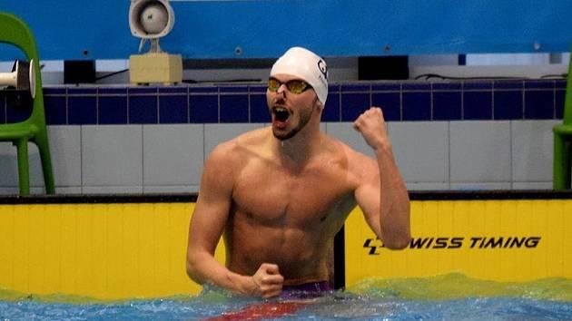 Chomutovský plavec Tomáš Franta je ve skvělé formě. Na snímku po závodu na 50 metrů znak.