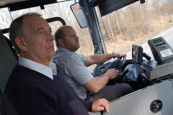 Ivan Vyskočil a Jaroslav Komínek (za volantem).