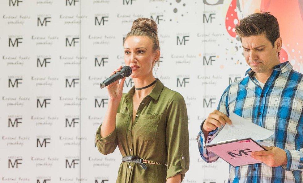 Ředitelka soutěže Miss Face Taťána Makarenko.