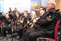 V Jirkově na náměstí bude odpoledne vyhrávat Hornická kapela Severočeskch dolů.