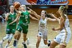 Chomutovské Levhartice (v bílém) v evropském poháru.
