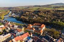 Letecký pohled na kadaňský hrad. (19.4.2019)
