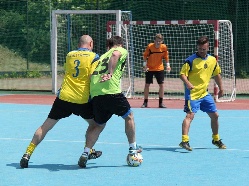 Utkání futsalistů VS ČR Všehrdy (ve žlutém) proti FC Parthenón