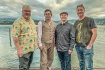 Steve Clayton & The Wild Bluesmen budou v Carvern Clubu.