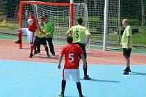 Všehrdy (zelení) v posledním turnaji 1. Letní ligy CHLMF zabojovaly a slavily dvakrát vítězství.