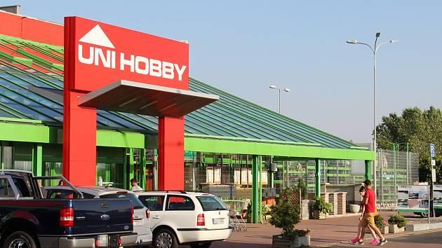 Nový obchod Uni Hobby v Chomutově