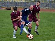 Zápas dvou týmů ze dna tabulky přinesl bojovnou podívanou. Domácí Kadaň (v červených dresech) byla nakonec o jeden gól lepší a získala cenné tři body.